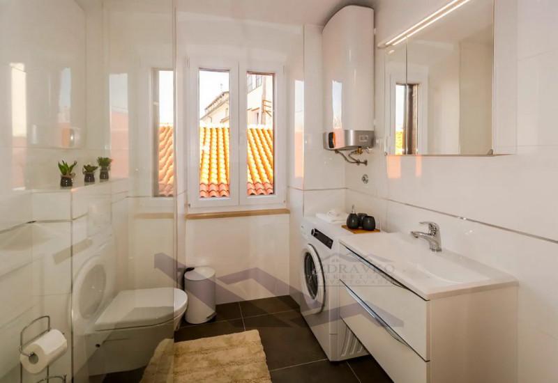 Stan 60 m2, Pula, Centar.