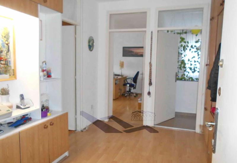 Pula, stan 76 m2, Koparska ulica.