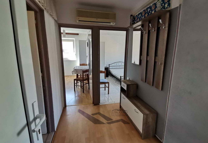 Stan 37 + 3 m2, Pula, Monte Zaro (blizina centra)