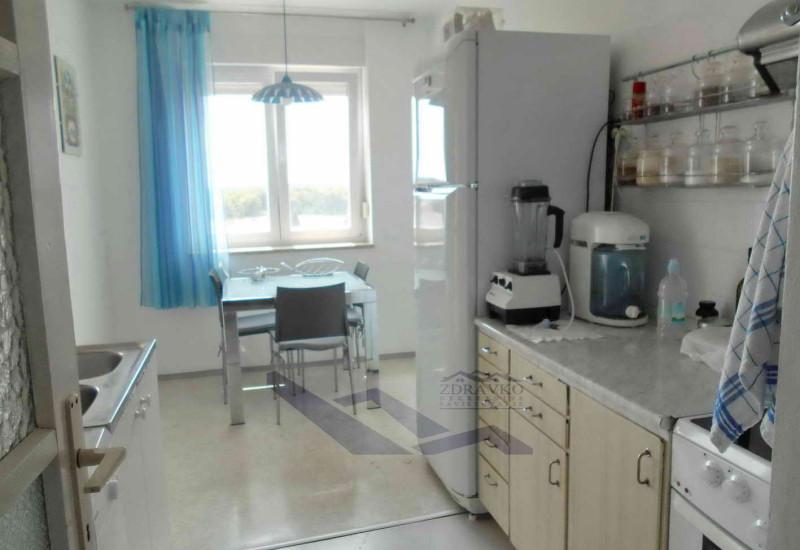 Stan 91 m2 + 3,5 m2, Pula, Kaštanjer.