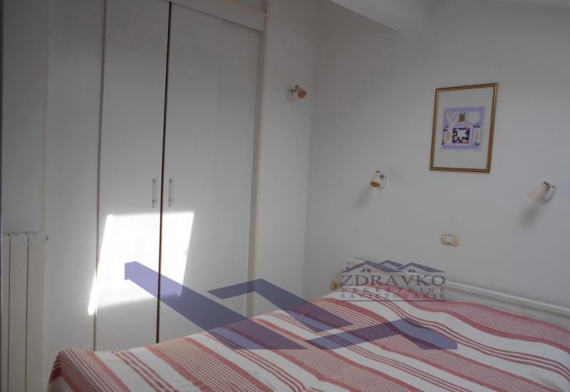 Dvoetažni stan 77 m2, Pula, Veruda Porat.